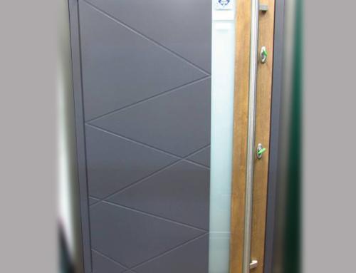 Виставковий зразок Residence Optima | Зовнішня панель RAL 7015/Декор 68747 | Внутрішня панель RAL 1015