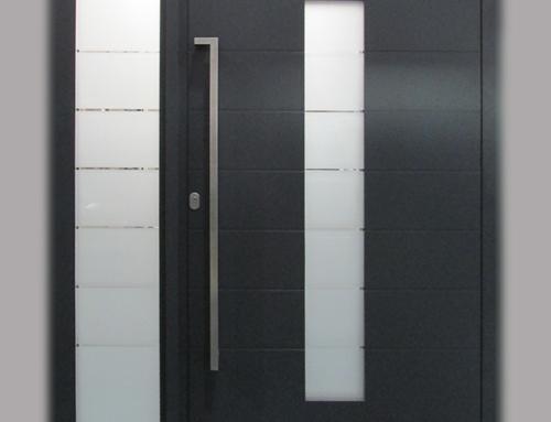 Виставковий зразок Residence Optima зовнішня панель RAL 7016 | Внутрішня панель RAL 9001
